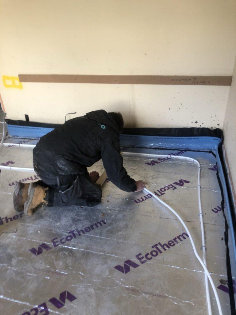 fitting-underfloor-heating